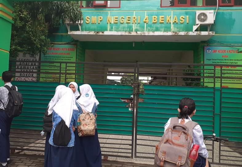 SMPN 4 Bekasi, Terlmabat datang murid SMPN 4 Bekasi