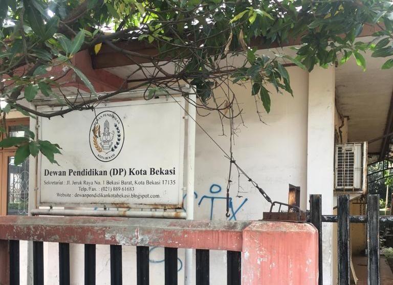Kondisi Gedung Dewan Pendidikan Kota Bekasi Tidak Terawat