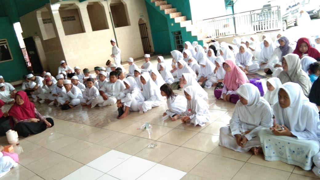 Ratusan Siswa Madrasah Nurul Hidayah Khataman Alquran