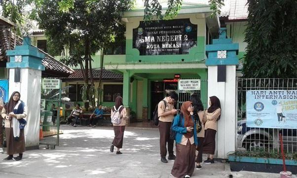 Dua Pelajar SMA Kota Bekasi Raih Nilai UN Tertinggi se-Jabar