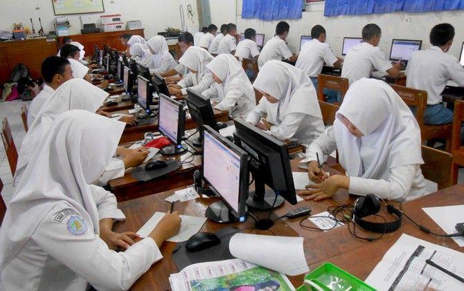 Hari Pertama UNBK SMP Sempat Diwarnai Kendala Teknis